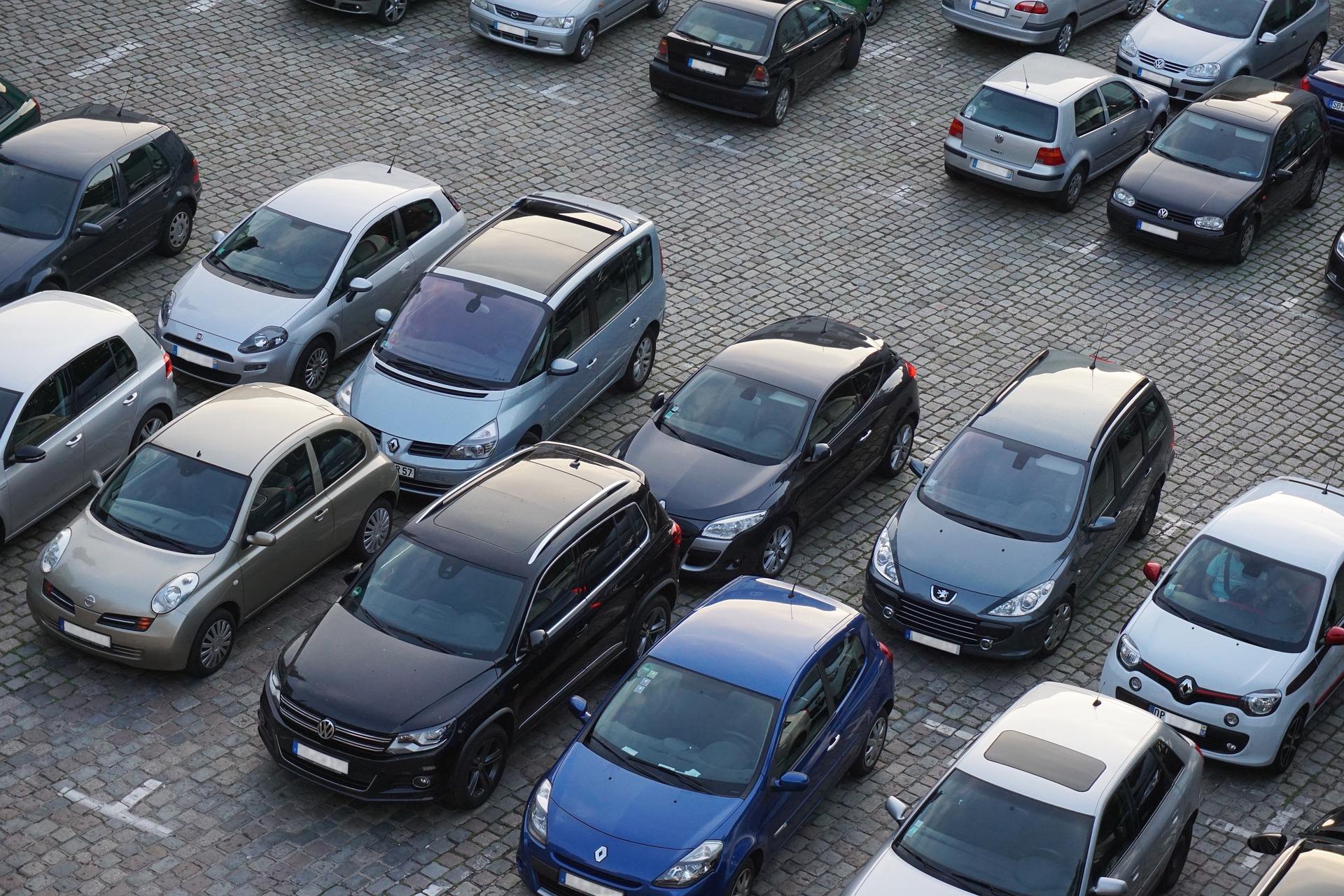 Можно ли парковаться во дворах: главное из решения Верховного суда
